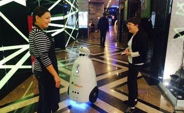 Интерактивный стол в премиальном каменном исполнении и Промо робот для Ростелеком