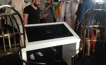 Аренда интерактивного стола на мероприятии 22-club в SOHO ROOMS